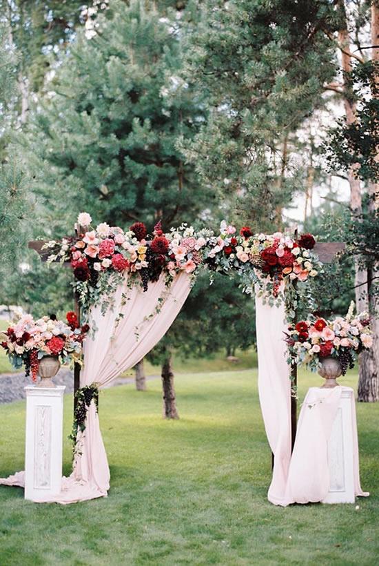 Decoração para casamento com portal