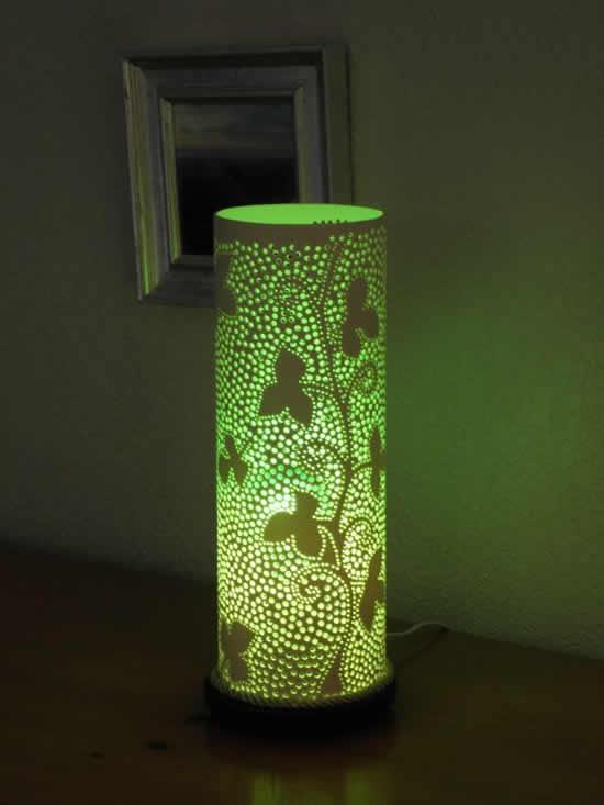 Luminária com arte em cano PVC