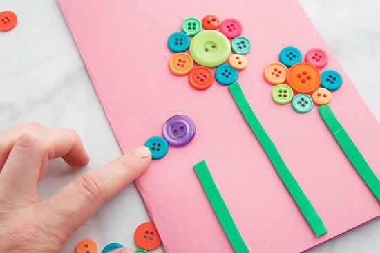 Atividades com botões coloridos