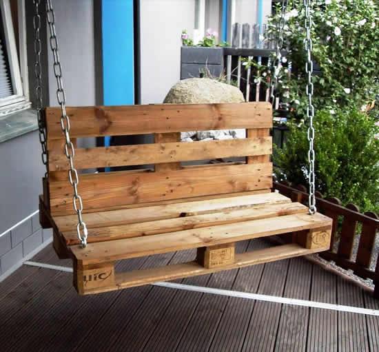 Cadeira de balanço com pallets