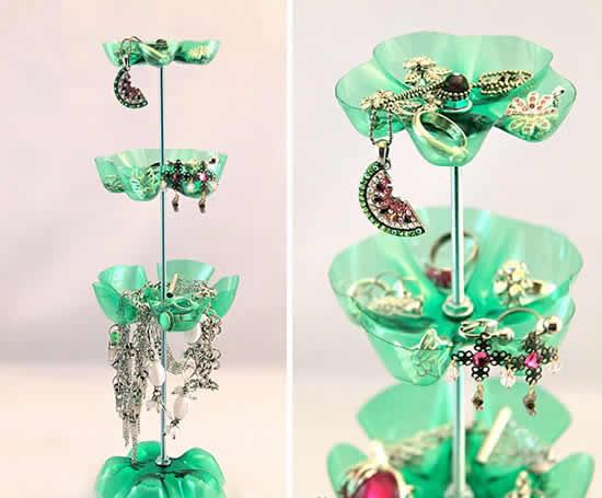 Porta-bijuterias com garrafa PET