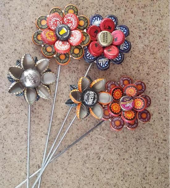 Flores com tampinhas