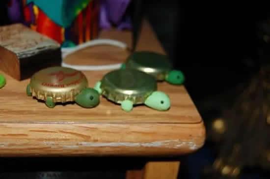 Tartaruga com tampinhas