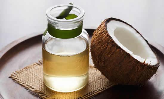 Máscara com óleo de coco