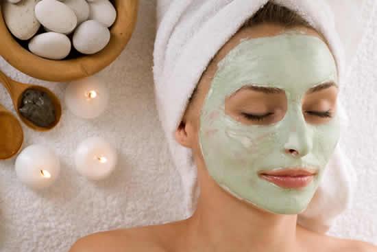 10 máscaras caseiras para melhorar a pele do rosto