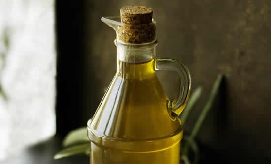 Máscara com óleo de oliva
