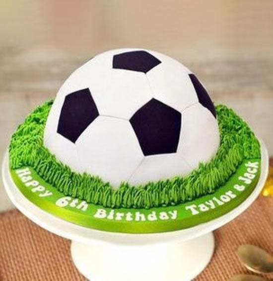 Bolo de bola de futebol para Dia dos Pais