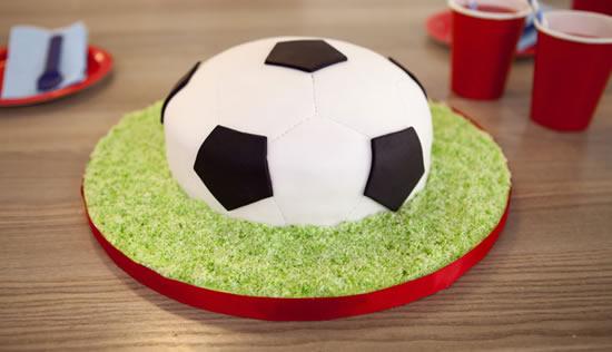 Bolo de futebol para Dia dos Pais