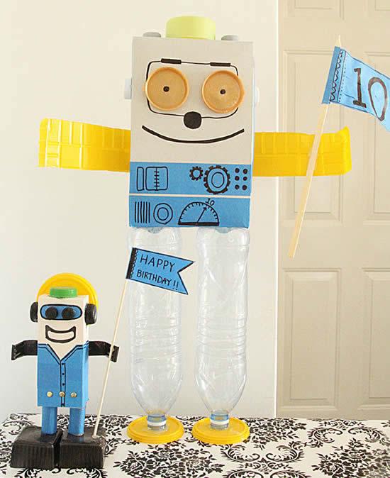 Robô com garrafa PET
