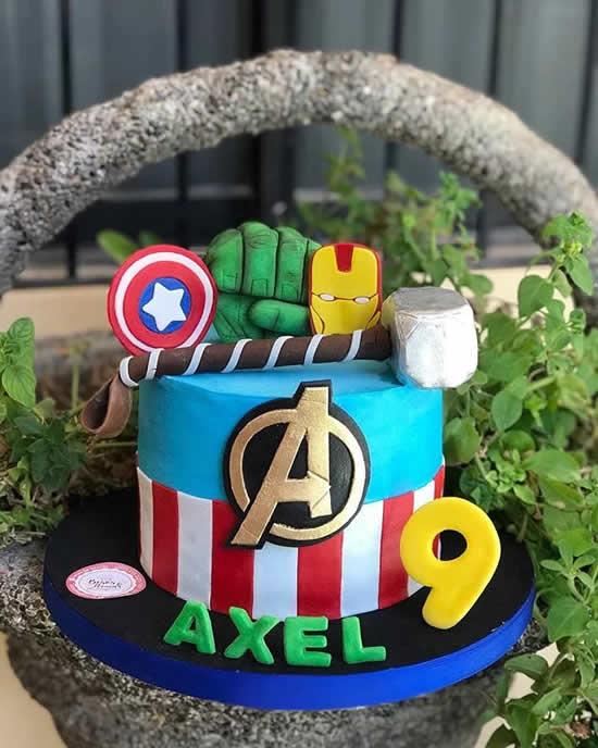 Bolo decorado dos Vingadores - Avengers