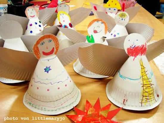 Anjinhos com pratos descartáveis