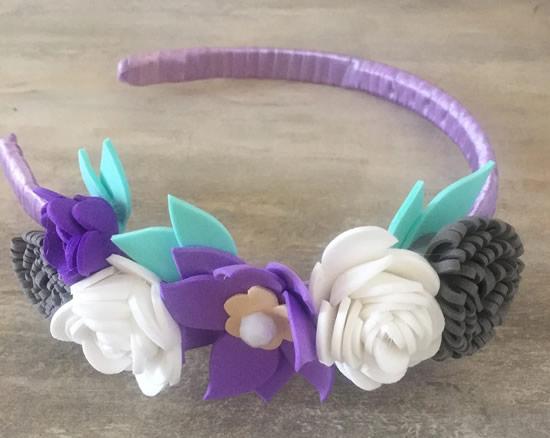 Flores em EVA para tiara