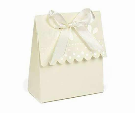 Sacolinha de papel para lembrancinha com molde