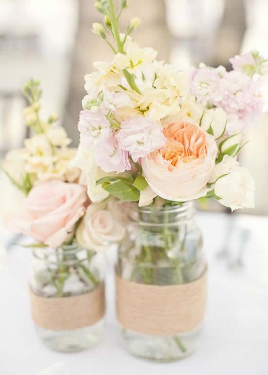 Decoração com flores e reciclagem de potes de vidro para o Dia das Mães