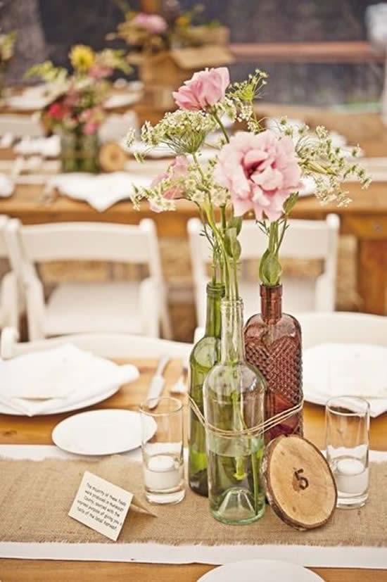 Arranjos de flores com garrafas para o Dia das Mães