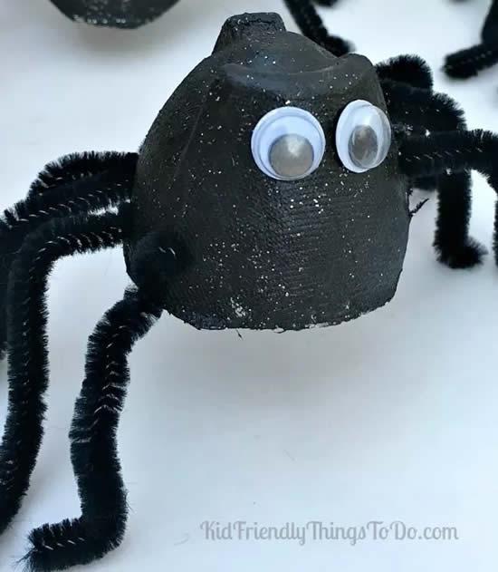 Aranha com reciclagem