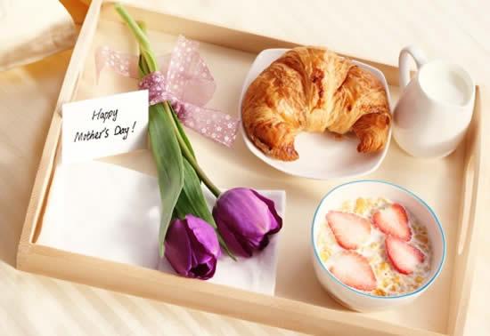 Lindo café da manhã para o Dia das Mães
